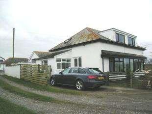 3 Bedrooms Bungalow for sale in Dinas Dinlle, Caernarfon, Gwynedd, LL54