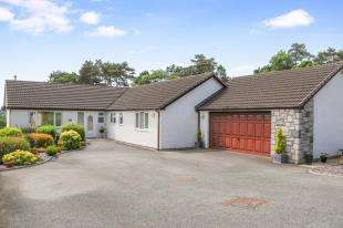 4 Bedrooms Bungalow for sale in Ty Mawr, Menai Bridge, Anglesey, LL59