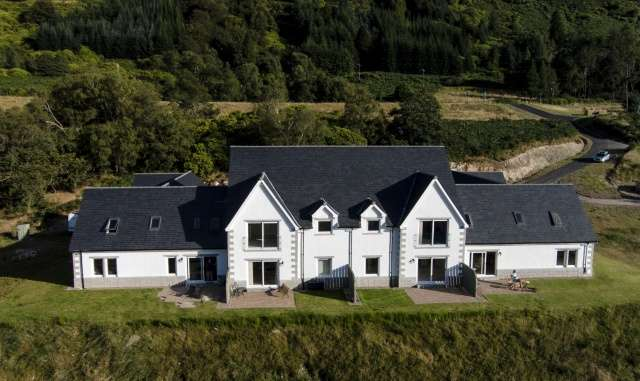 4 Bedrooms House for sale in The Corries, Caledonia Park, Invergloy, Inverness-Shire, PH34 4DW