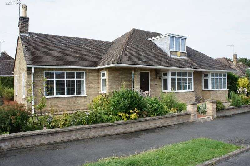 3 Bedrooms Detached Bungalow for sale in Orton Longueville