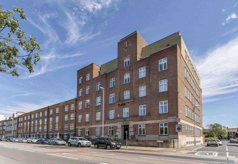 5 Bedrooms Flat for sale in Kings Terrace, Southsea