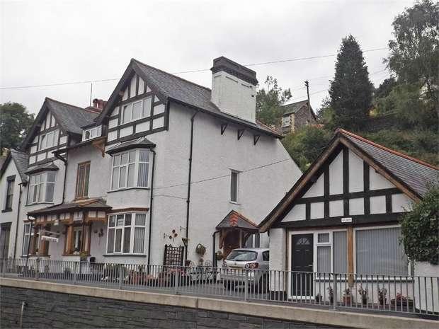 7 Bedrooms Semi Detached House for sale in Bridge Street, Corwen, Denbighshire