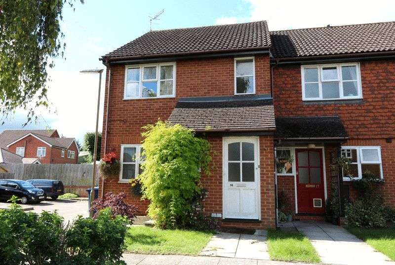 1 Bedroom Flat for sale in Farncombe