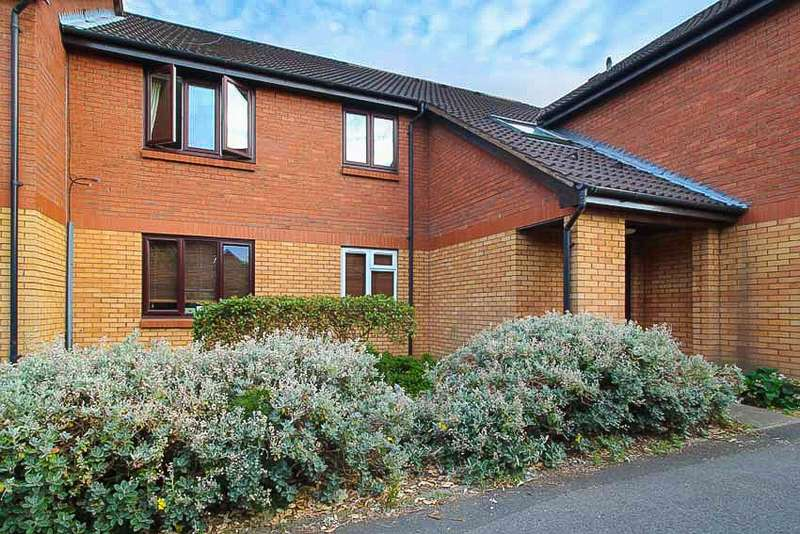 2 Bedrooms Flat for sale in keats close, wimbledon, London, SW19
