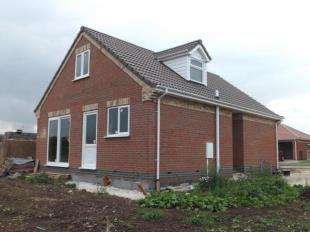 2 Bedrooms Bungalow for sale in Chapel St Leonards, Skegness