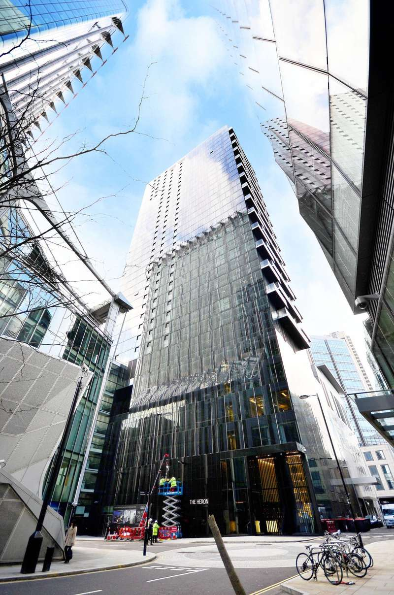 Parking Garage / Parking for sale in The Heron, City, EC2Y