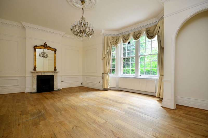 3 Bedrooms Flat for sale in Hyde Park Place, Hyde Park Estate, W2