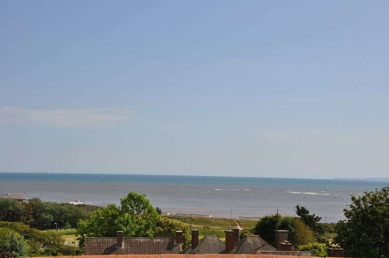 2 Bedrooms Flat for sale in Douglas Avenue, Exmouth