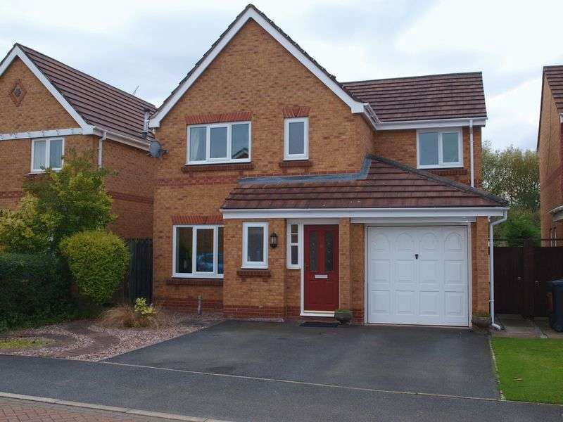 4 Bedrooms Detached House for sale in Marlowe Road, Northwich, CW9 7GA