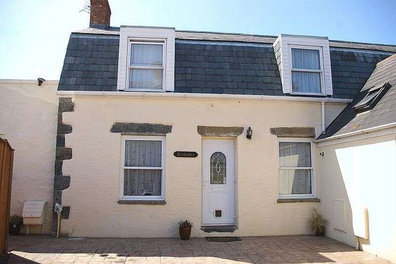 2 Bedrooms Semi Detached House for sale in St Sampsons Investment Opportunity