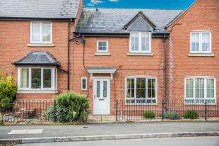 3 Bedrooms Terraced House for sale in Wordsworth Avenue, Stratford-Upon-Avon, Warwickshire