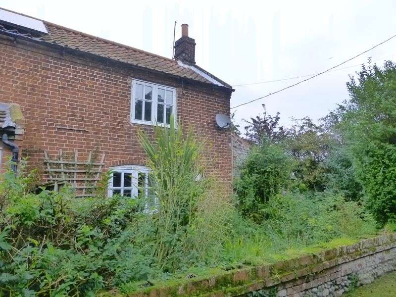 3 Bedrooms Semi Detached House for sale in Ingham