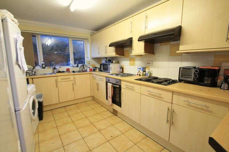 8 Bedrooms Terraced House for rent in Woodville Road, Cardiff