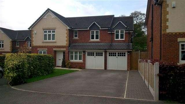 5 Bedrooms Detached House for sale in Ashenhurst Way, Leek, Staffordshire, ST13 5SB