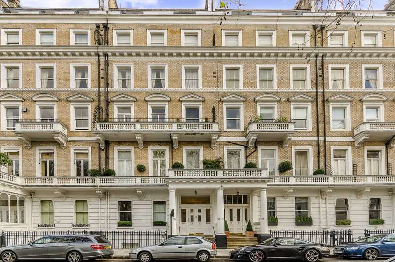 3 Bedrooms Flat for sale in Queens Gate Gardens, South Kensington, SW7