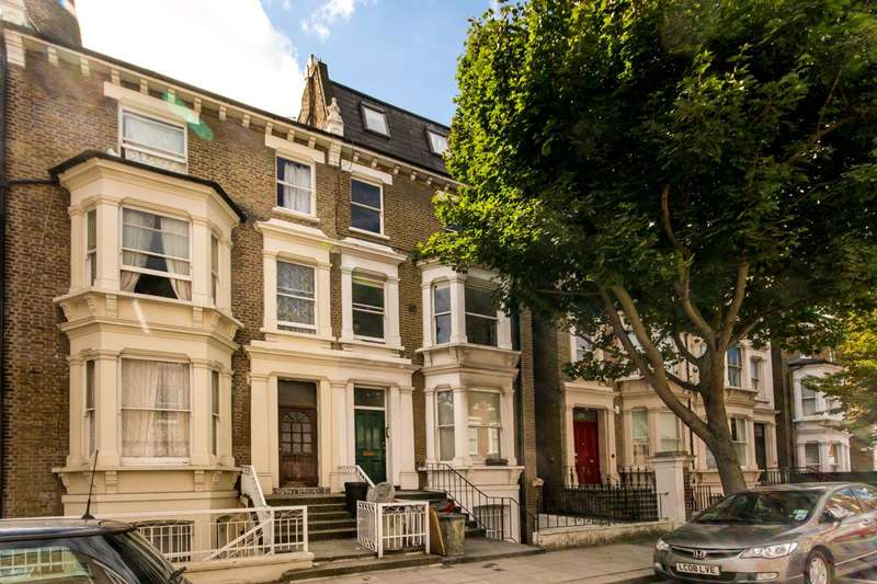 2 Bedrooms Flat for sale in Blythe Road, Brook Green, W14