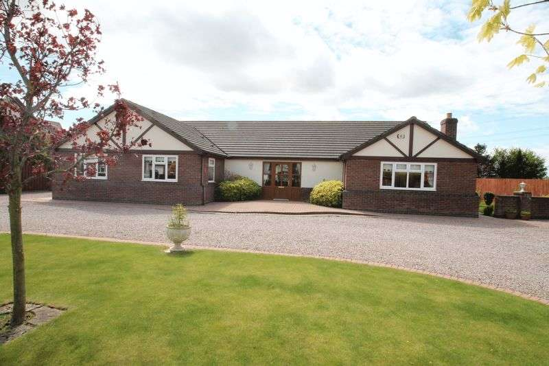 3 Bedrooms Semi Detached Bungalow for sale in Wignals Gate, Holbeach