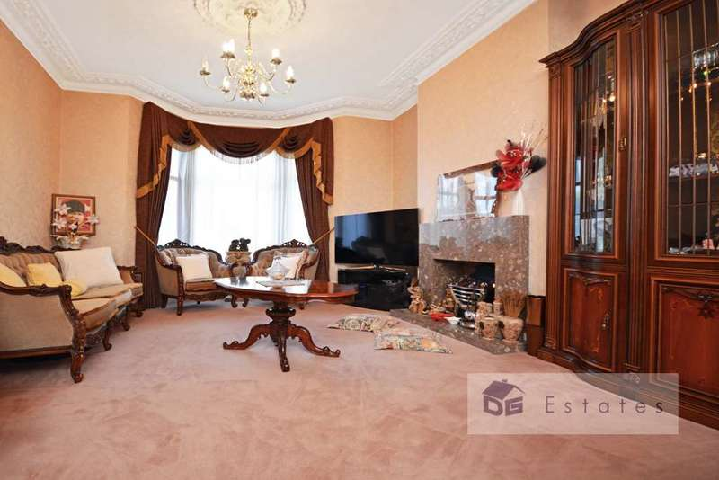 4 Bedrooms Terraced House for sale in Frobisher Road, Haringey