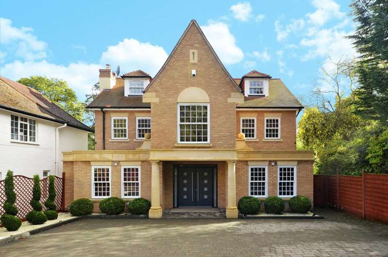 6 Bedrooms Detached House for sale in Henley Drive, Coombe, KT2
