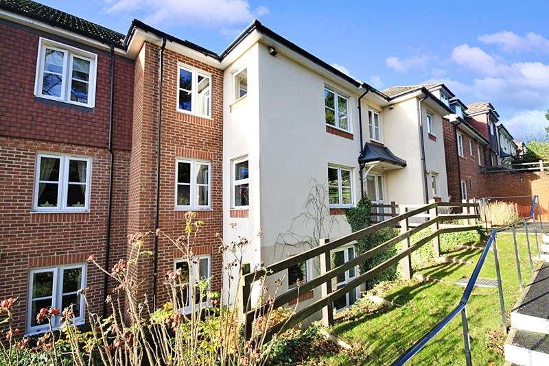 1 Bedroom Retirement Property for sale in Risingholme Court, Heathfield, TN21 8GB