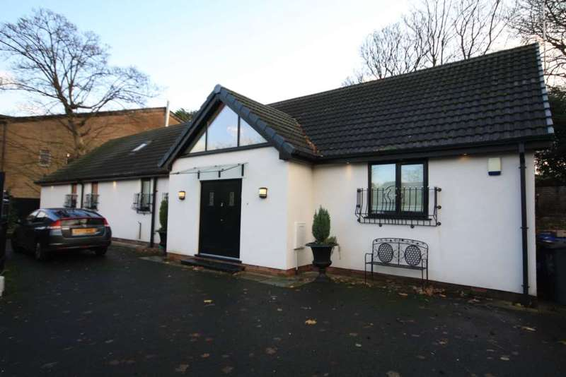 4 Bedrooms Bungalow for sale in Singleton Road, Prestwich