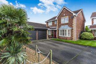 4 Bedrooms Detached House for sale in Yeadon Walk, Middleton St. George, Darlington, Durham