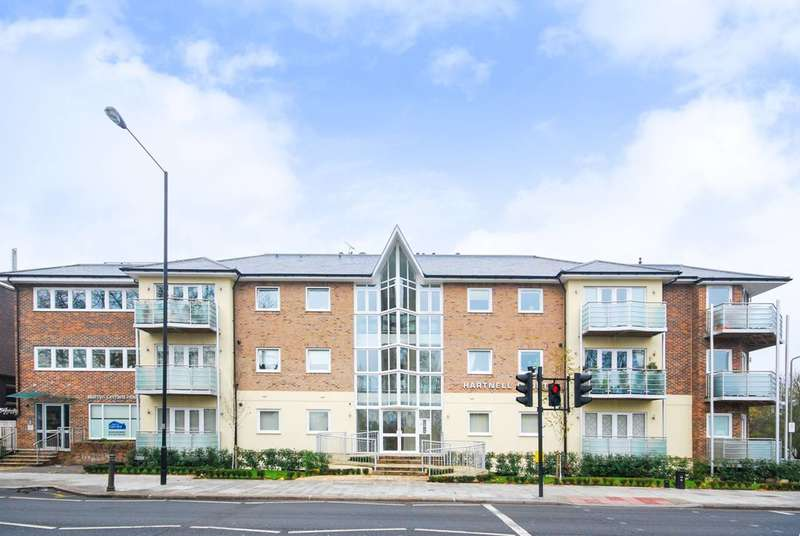 3 Bedrooms Flat for sale in Ballards Lane, Finchley, N3