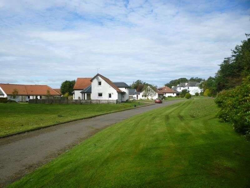 3 Bedrooms Detached Bungalow for sale in Pitlair Park, Bow Of Fife, Cupar, KY15