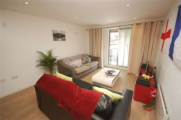 2 Bedrooms Flat for sale in 2 Chester Road, MANCHESTER, UK