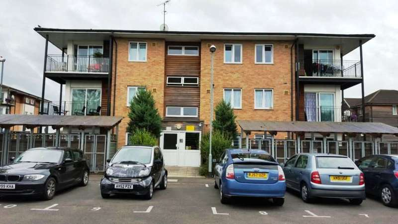 2 Bedrooms Flat for sale in Bennett Close, Hounslow