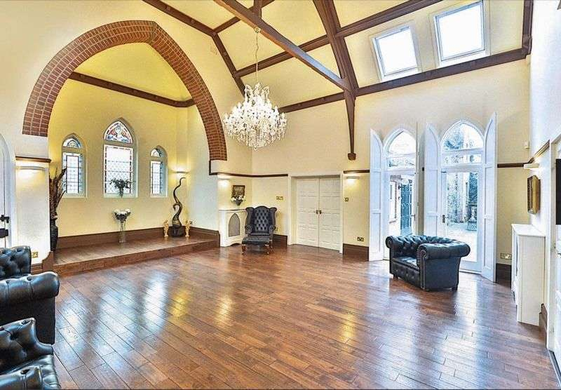 4 Bedrooms Detached House for sale in The Old Chapel, Tebworth