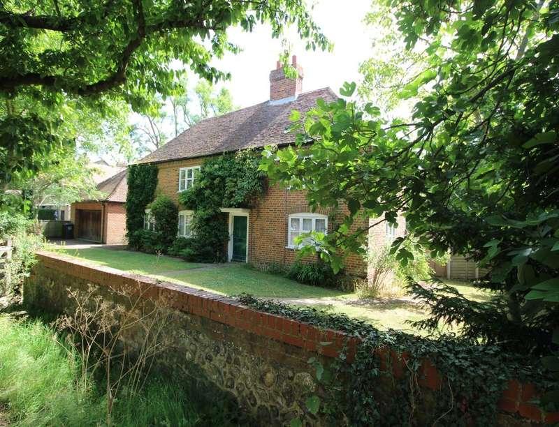 4 Bedrooms Property for rent in The Weavers Hook Green Road, Southfleet, Gravesend, DA13
