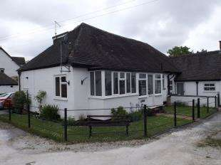 3 Bedrooms Bungalow for sale in Mosley Mews, Rolleston-on-Dove, Burton-on-Trent, Staffordshire