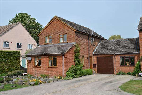 3 Bedrooms Detached House for rent in Swinnell Close, Kneesworth
