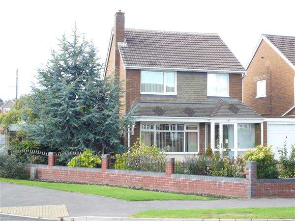 3 Bedrooms Detached House for sale in BROAD LANE NORTH,Willenhall, WEDNESFIELD, Willenhall