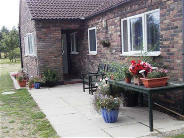 3 Bedrooms Bungalow for sale in Brackenmoor, Gainsborough