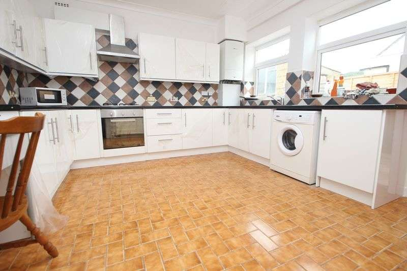 6 Bedrooms Semi Detached House for rent in Fortescue Road, Charminster
