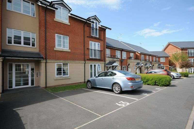 2 Bedrooms Flat for sale in Hamilton Avenue, Uttoxeter