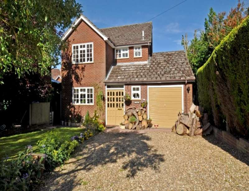 4 Bedrooms Detached House for sale in Shrewton High Street, Pattingham, Wolverhampton, WV6