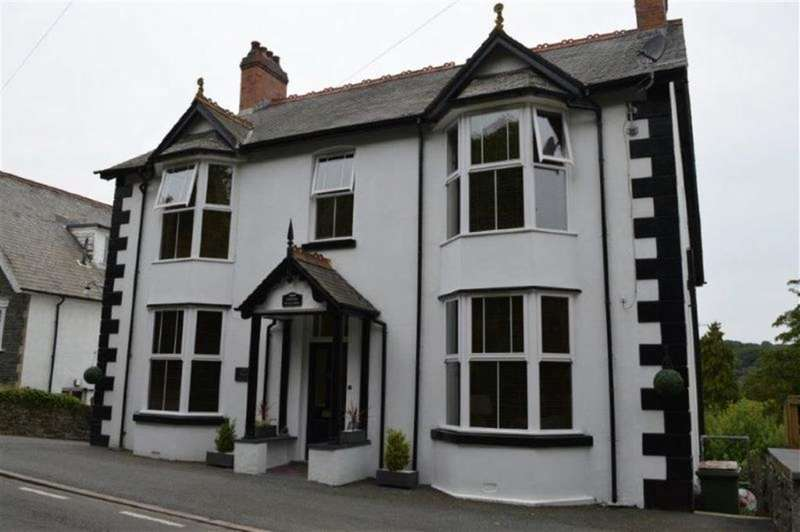 5 Bedrooms Property for sale in Machynlleth, Eglwys Fach