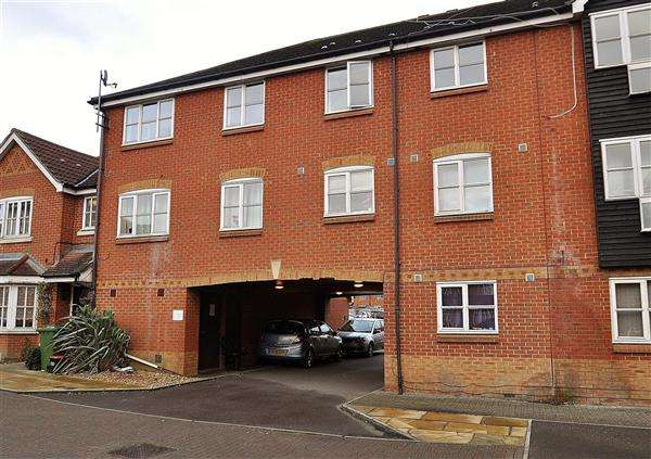 2 Bedrooms Apartment Flat for sale in Ashford TN24