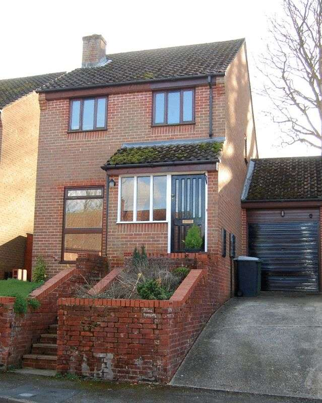 3 Bedrooms Semi Detached House for sale in A fabulous contemporary three bedroom home with plenty of wow factor and ticks all the boxes for today's young family