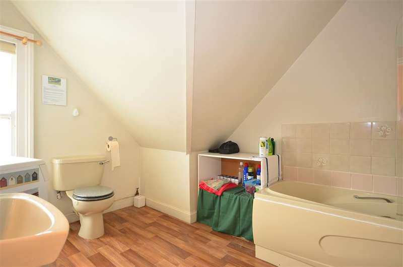1 Bedroom Flat for sale in Bouverie Road West, Folkestone, Kent