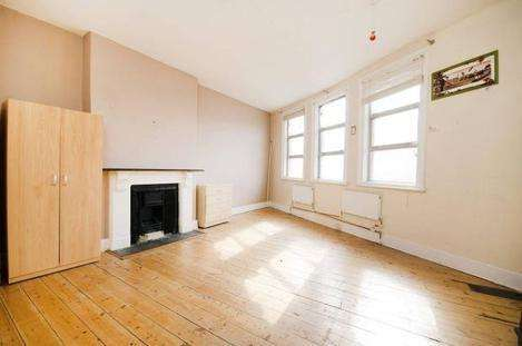 3 Bedrooms Flat for sale in Willesden Lane, London NW6