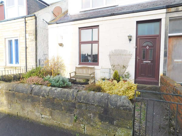 2 Bedrooms Flat for sale in High Beveridgewell, Dunfermline, KY12