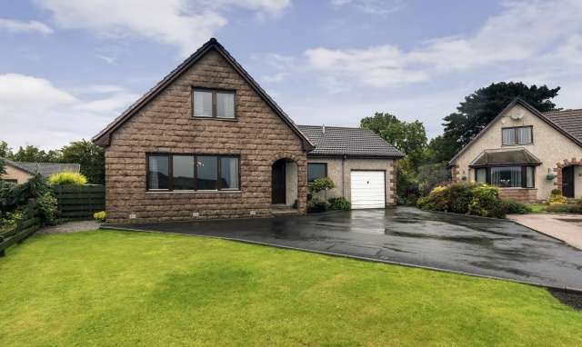 3 Bedrooms Detached Villa House for sale in 4 Angus Gardens, Fetterangus, Aberdeenshire, AB42 4TG