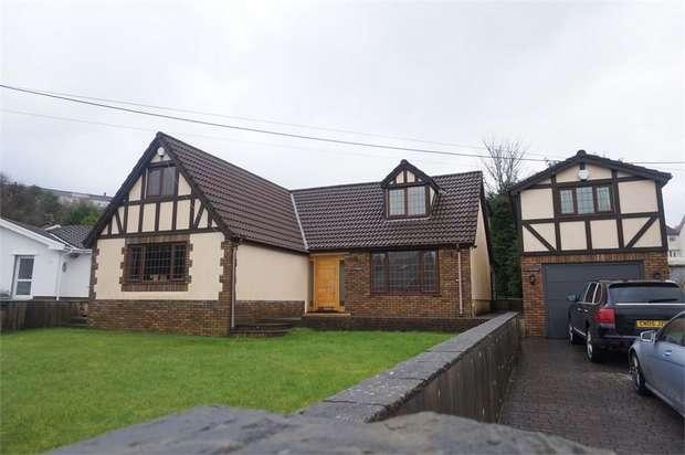 4 Bedrooms Detached House for sale in Castle Street, Fleur de Lis, BLACKWOOD, Caerphilly