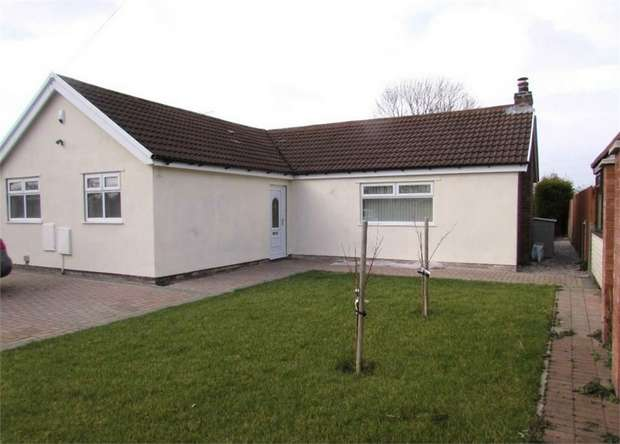 4 Bedrooms Detached Bungalow for sale in Green Lane, Burtonwood, Warrington, Cheshire