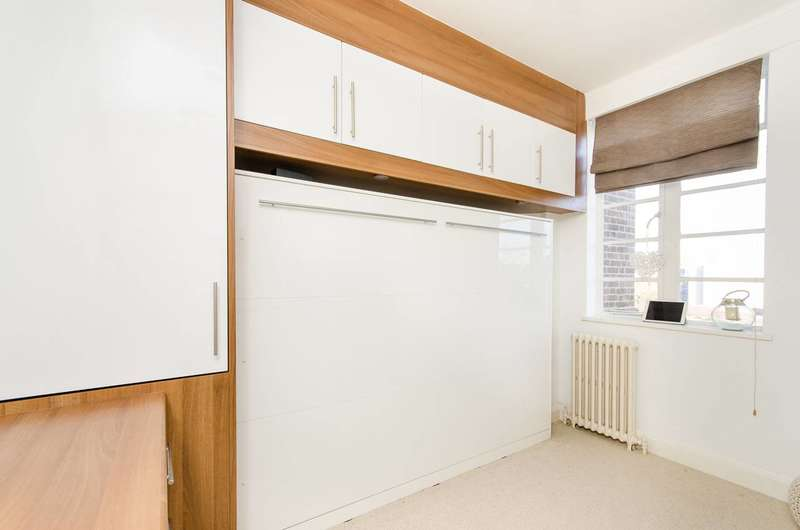 Studio Flat for sale in Balham High Road, Balham, SW17