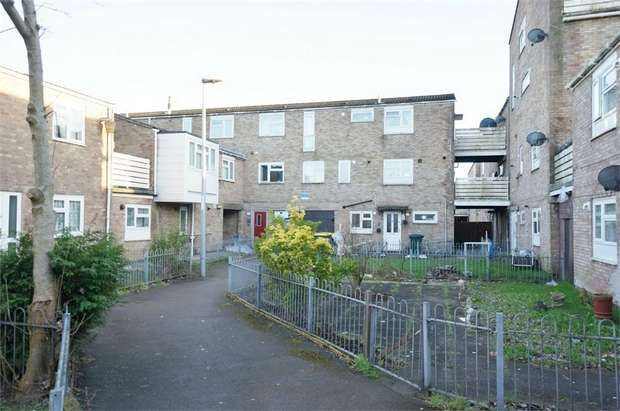 2 Bedrooms Flat for sale in Pardoe Thomas Close, NEWPORT